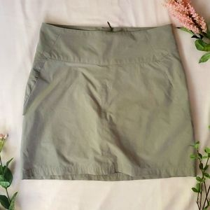 Royal Robbins skirt/shorts green sz 6 [899]